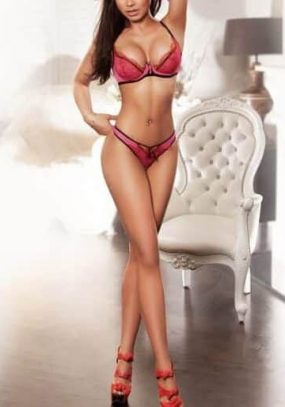 Busty Brunette Dominatrix Escort Stella, Brazilian London Escort in Knightsbridge