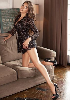 Outrageously Beautiful Knightsbridge Escort Mary