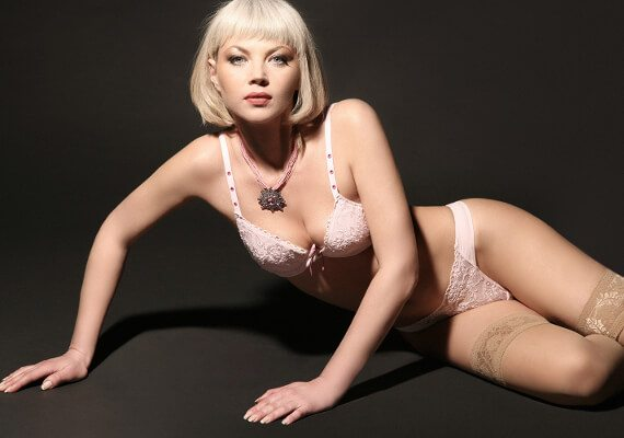 Tall Slim Blonde London Escort Lisa available in Earls Court