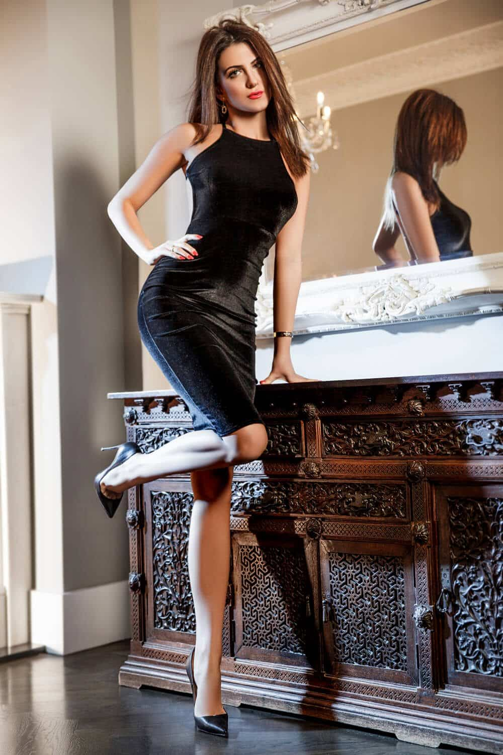 Ava is a Tall, Bi-Sexual Knightsbridge Escort