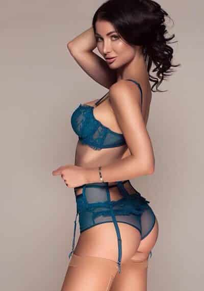 Meet Claudia a Beautiful Busty Russian Personal Service Escort in Earls Court, London