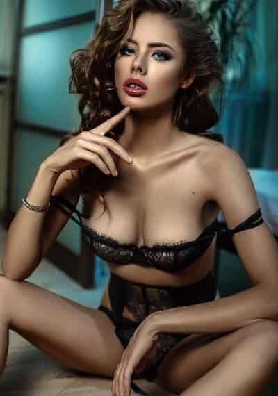 Julia is a Beautiful, Brunette, Russian Escort based in South Kensington, London