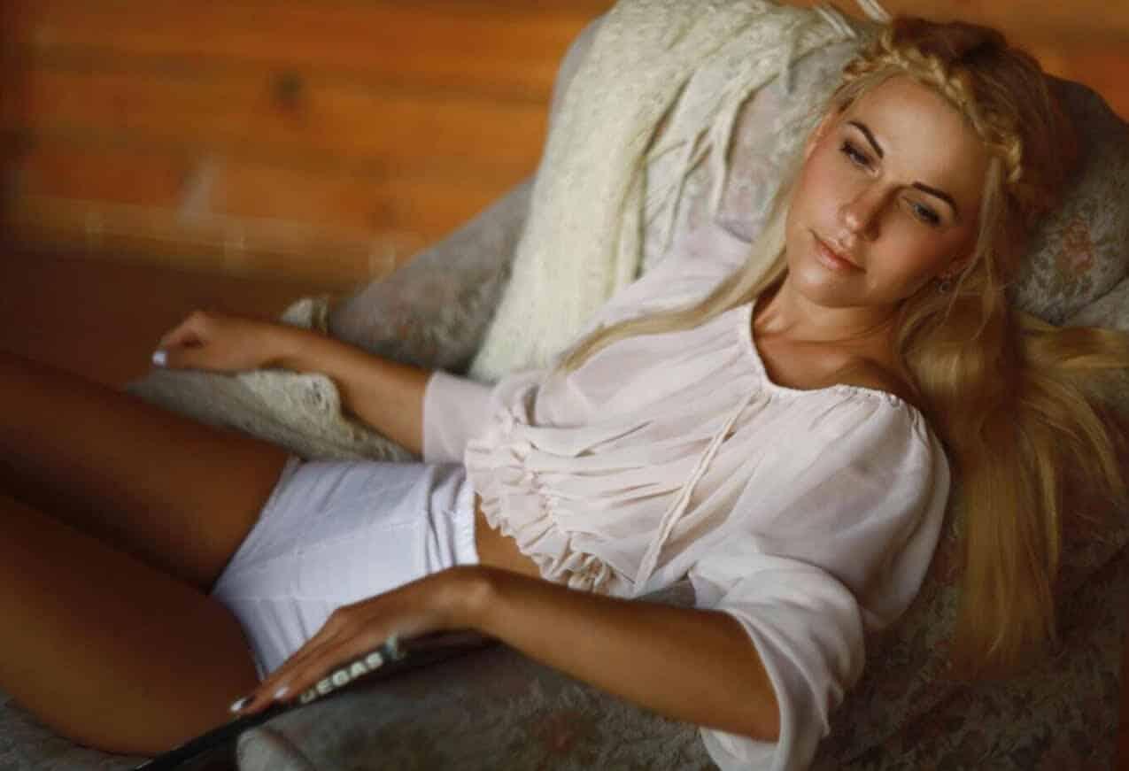 Rachel is a Busty Blonde Ukrainian London Escort in Earls Court