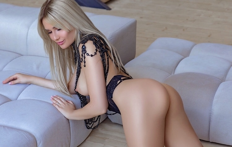 Courtney 1