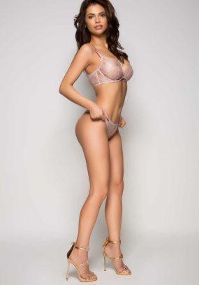 Nicole Chelsea 8