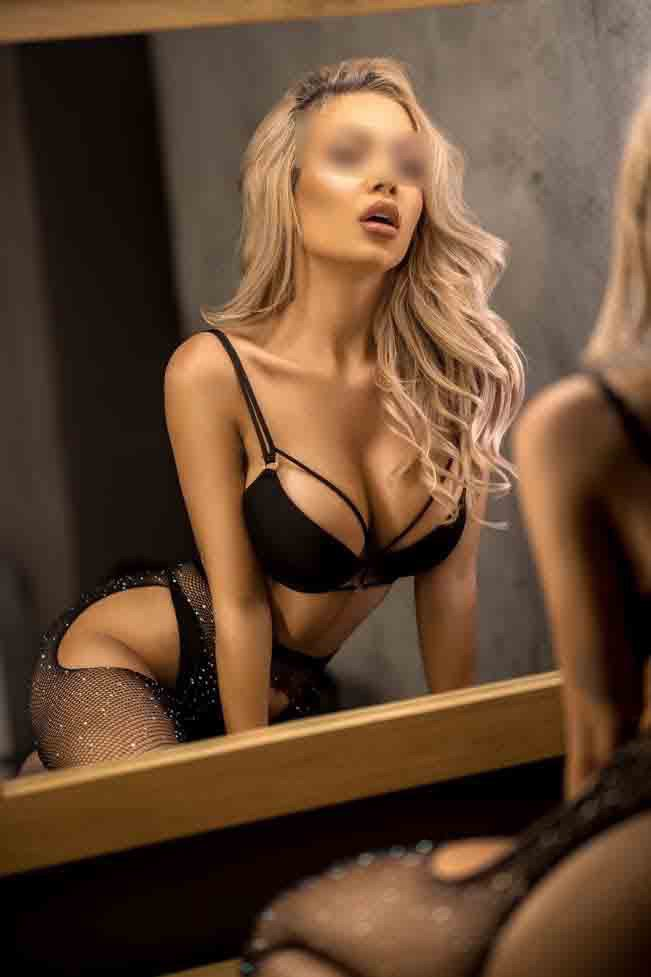 Ruby Mayfair Escort