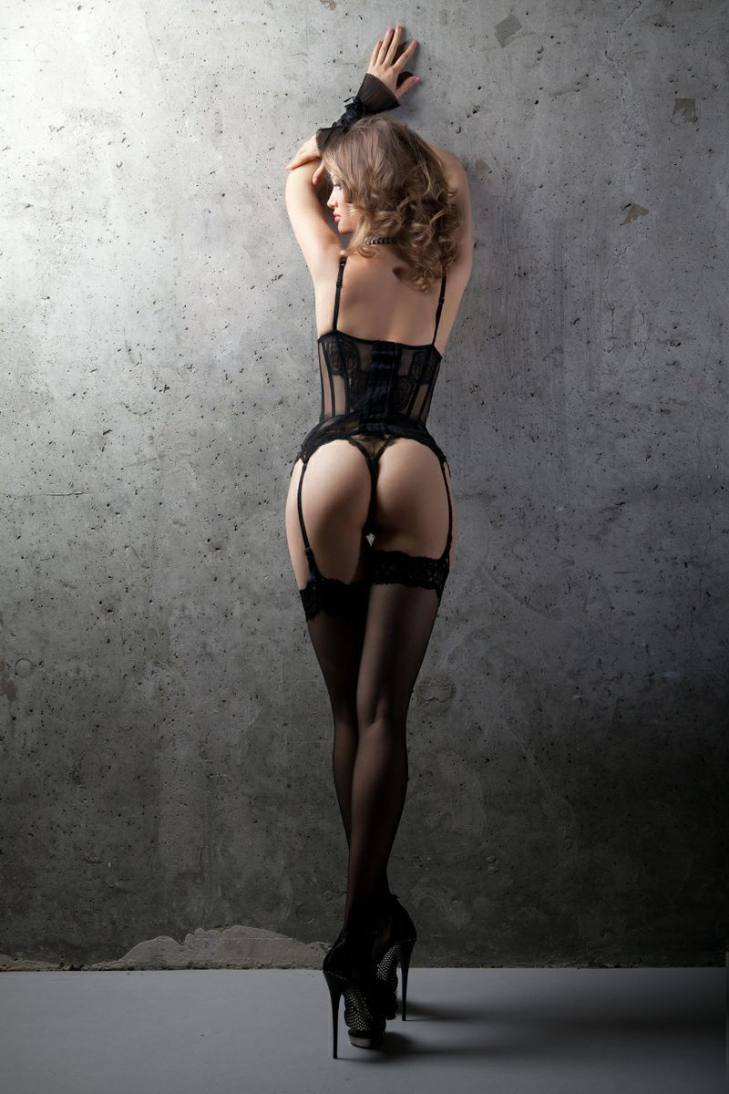 Valeria Kensington 4