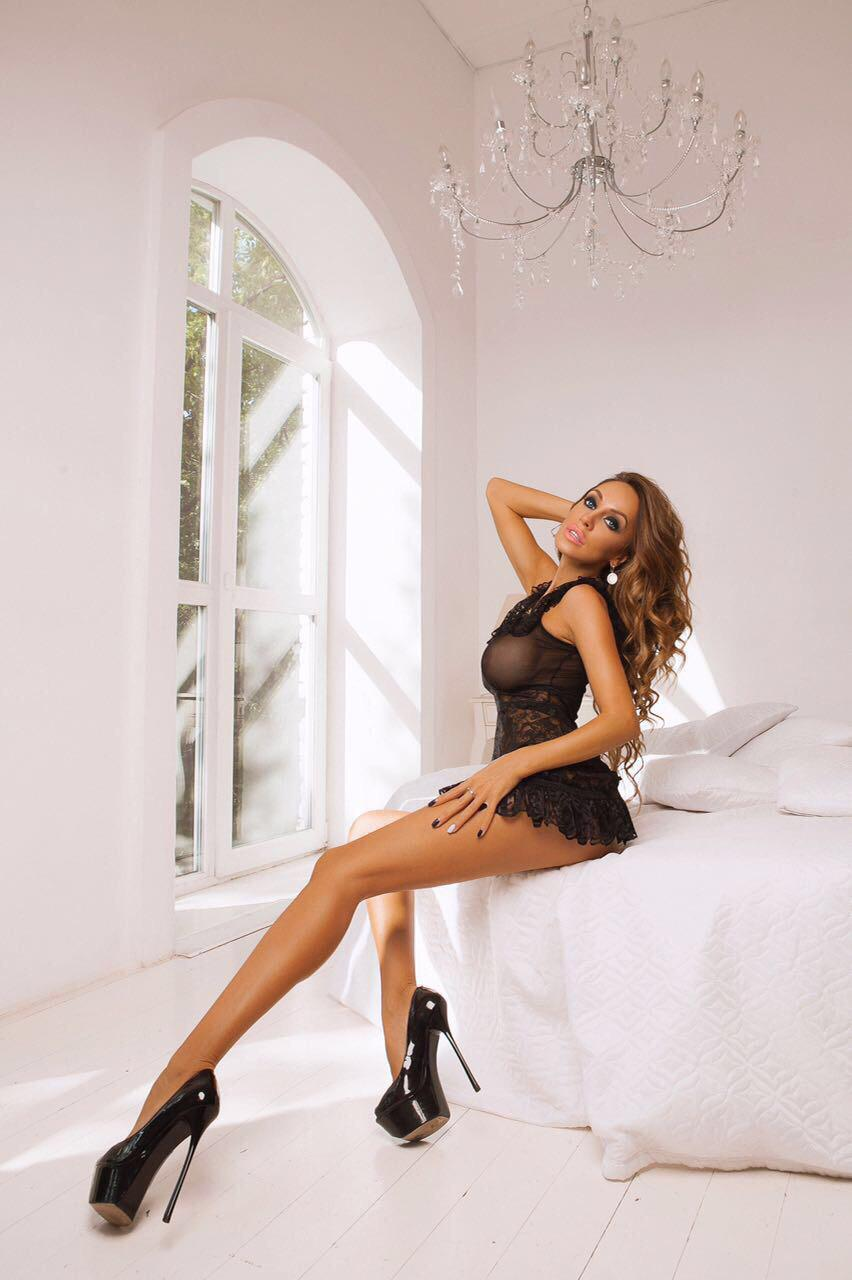 Adolfa Earls Court Escort