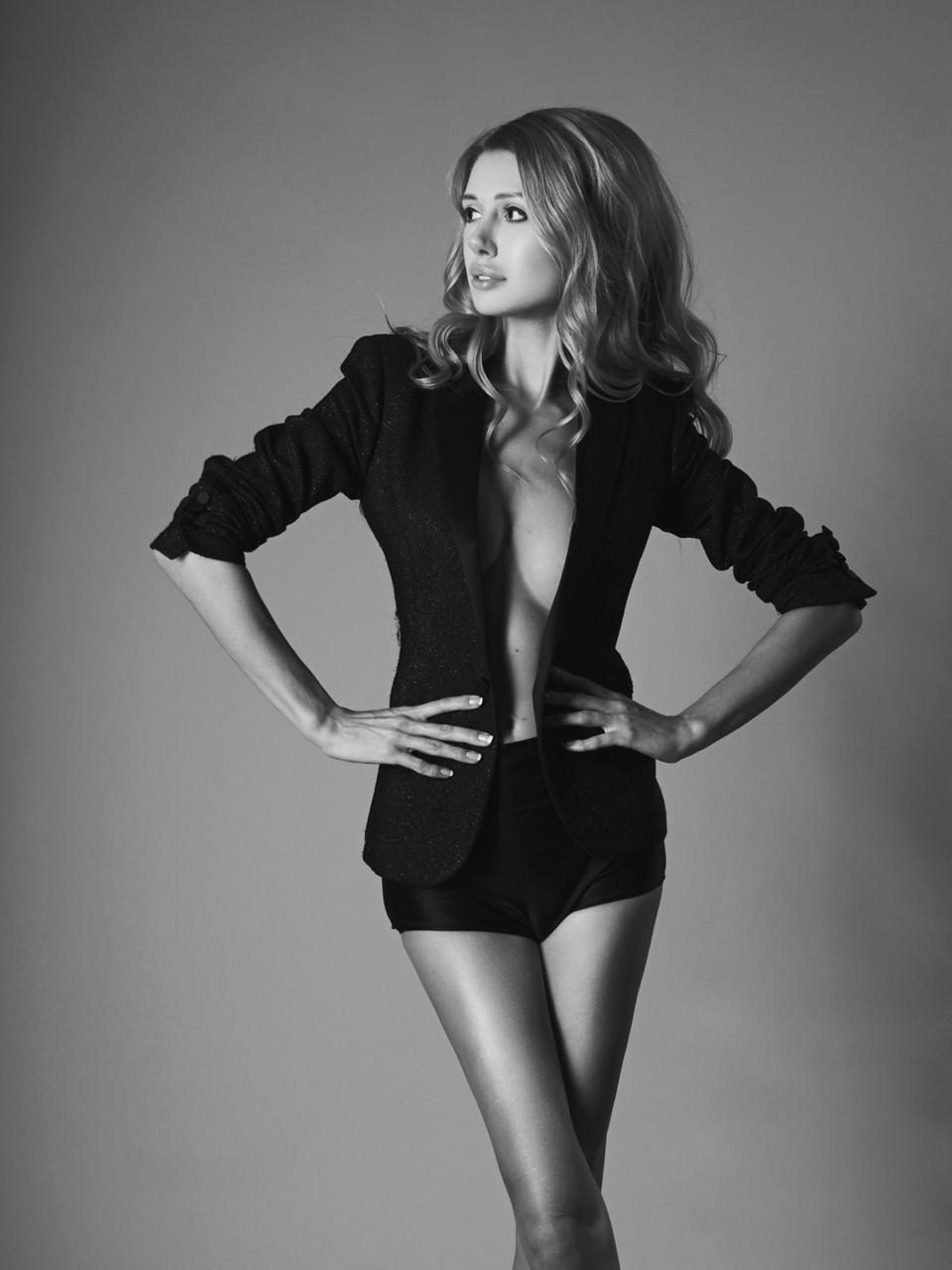 Nicole Knightsbridge 6