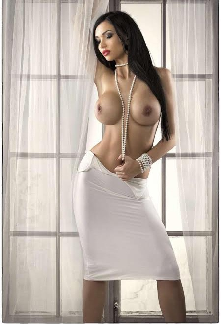 Samantha Battersea Escort