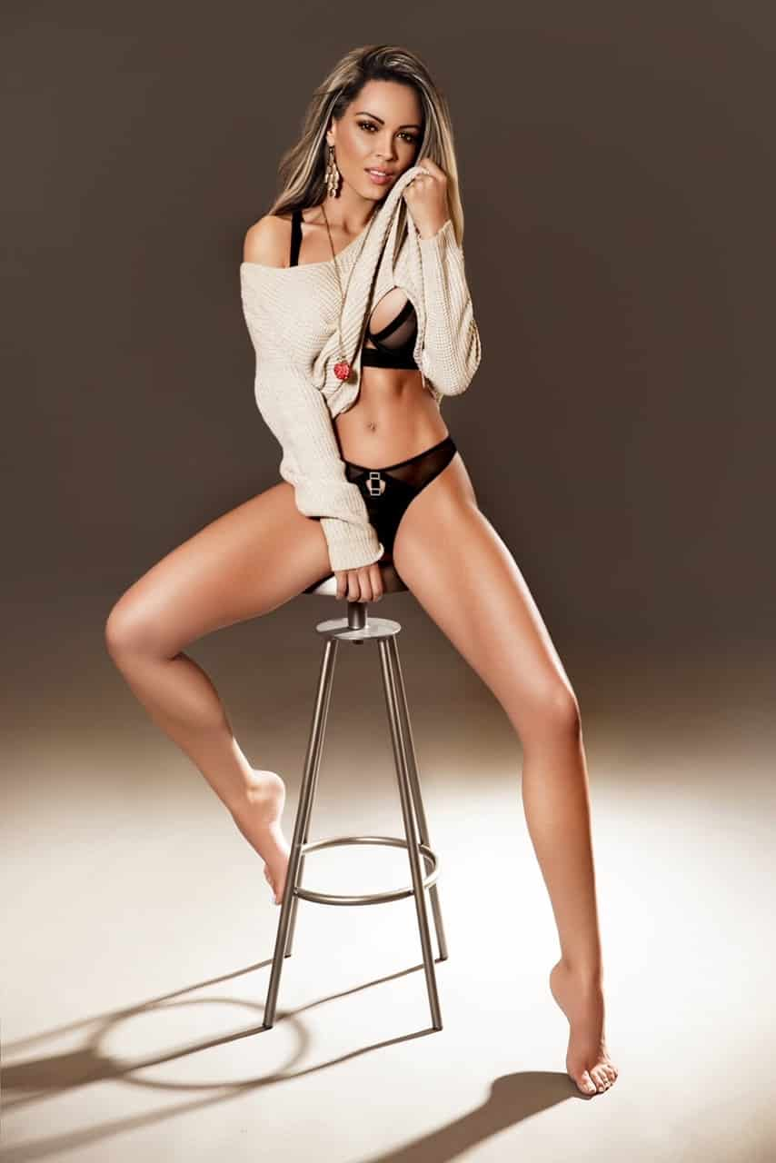 Alicia Bond Street Escort