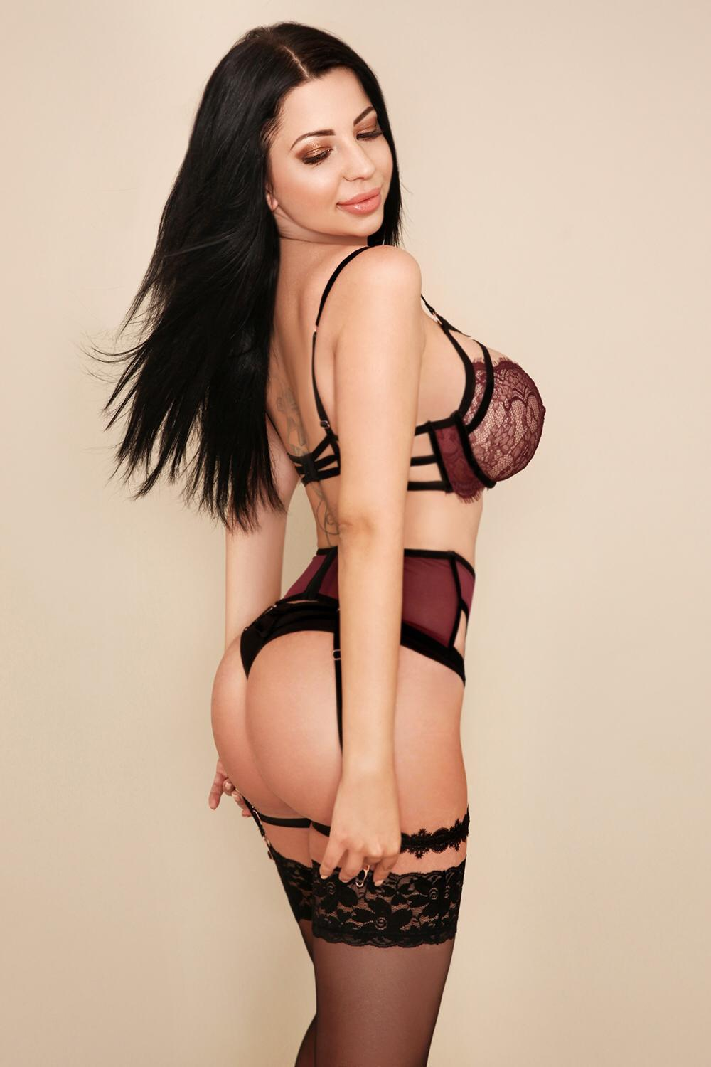 Belle Outcall Spanish Escort