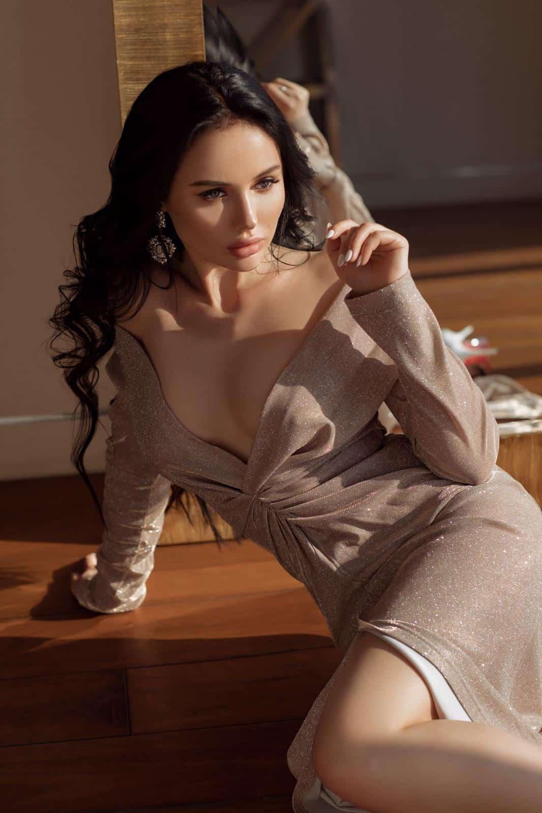 Clancy Russian Brunette Mayfair