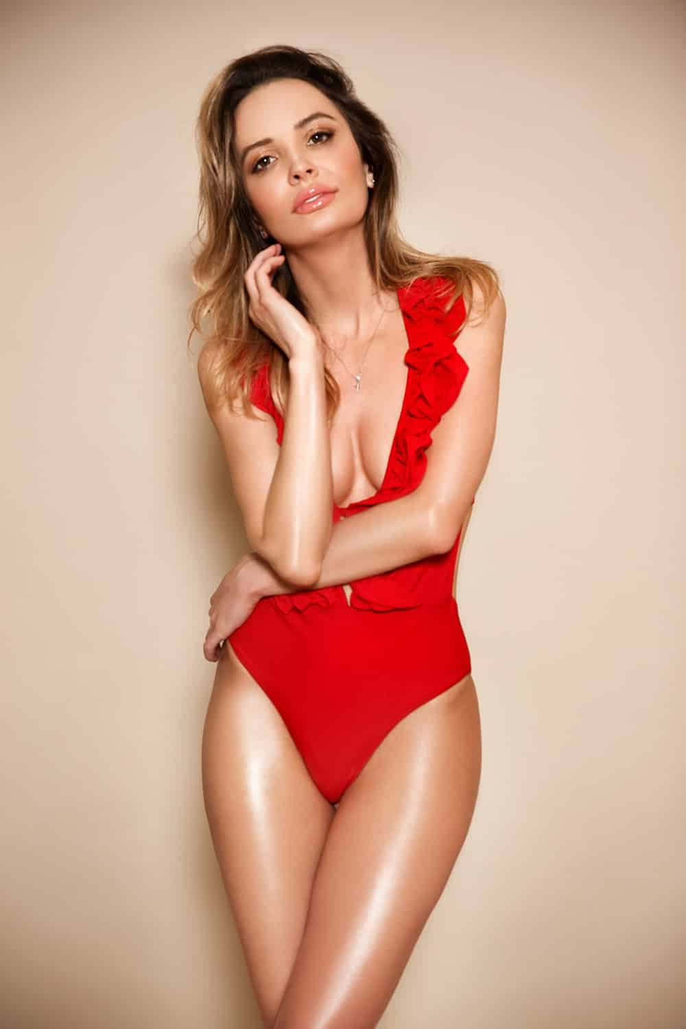 Lucy Earls Court Escort