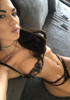 Tina Kensington Escort